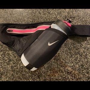 Nike water bottle/ zipper holder hip belt